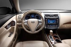 Фото: Nissan Teana - взгляд изнутри