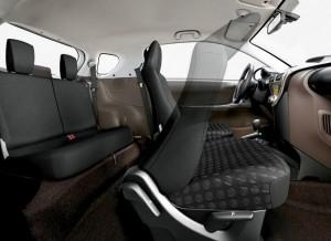 Фото: Toyota iQ - салон маленькой машины