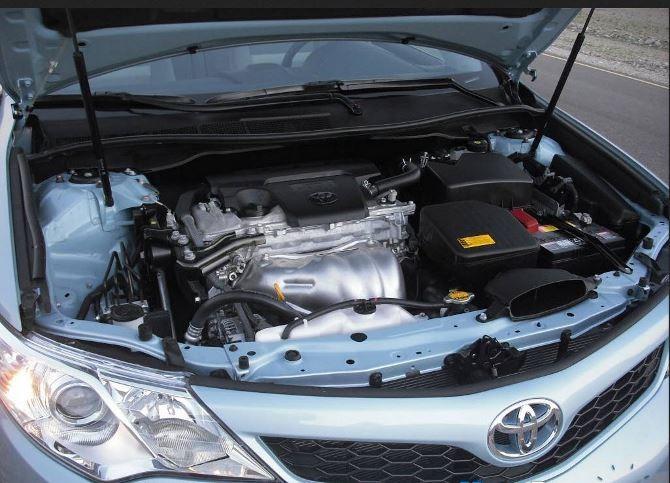 Фото: Toyota Camry - под капотом