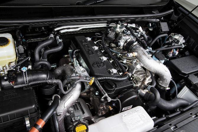 Фото: Toyota Land Cruiser Prado - двигатель внедорожника