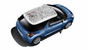 Фото: Citroen DS3 - красочная наклейка на крыше