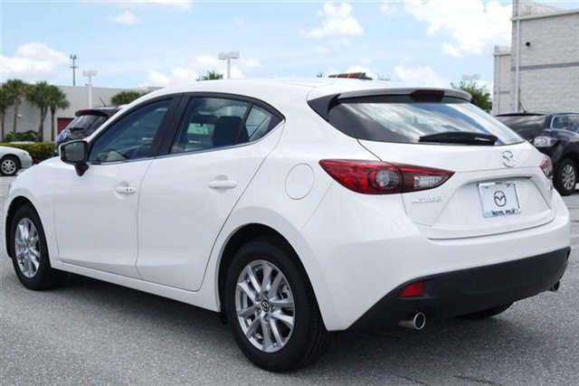 White Mazda 3 2014 Hatchback2014 Mazda 3 White