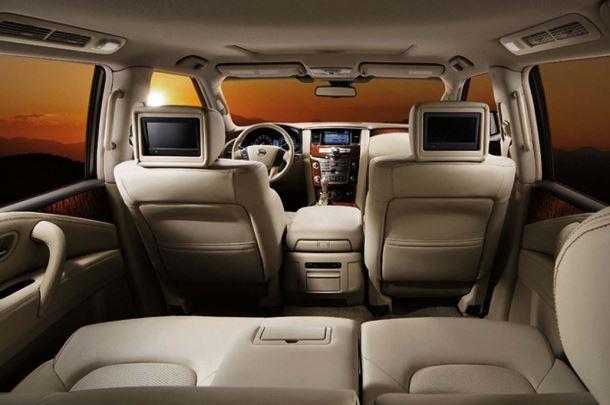 Фото: Салон Nissan Patrol 2013 в топовой комплектации. Бежевый цвет