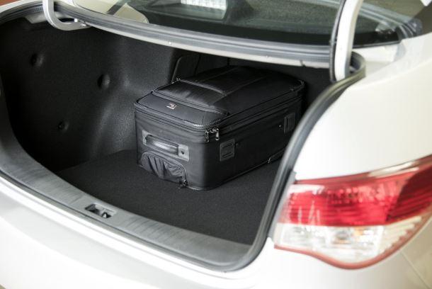 Фото: Багажник отделение Nissan Almera