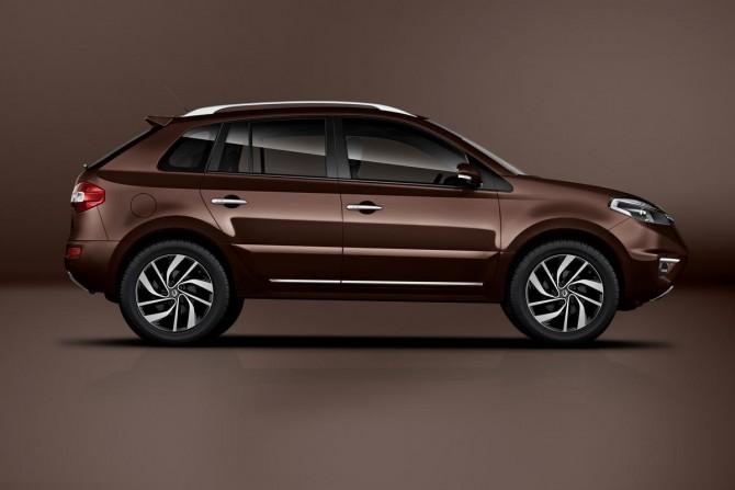 Фото: Renault Koleos 2013 вид с боку