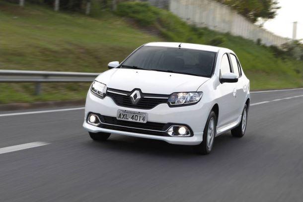 Фото: Renault Logan 2014 белого цвета
