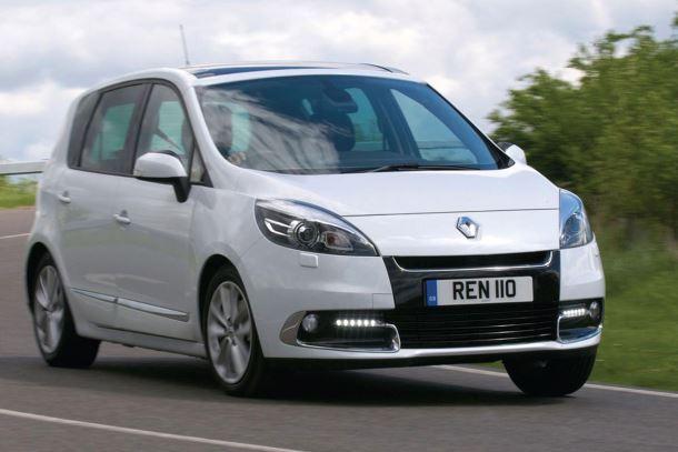 Фото: Renault Scenic белого цвета