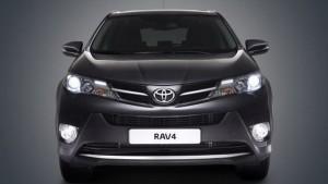 Фото: Toyota Rav4 2014 - экстерьер машины черного цвета