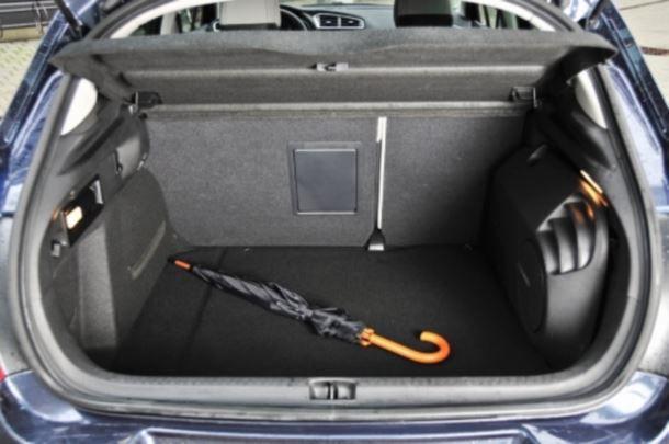 Фото: Вместительный багажник Citroen C4 Picasso
