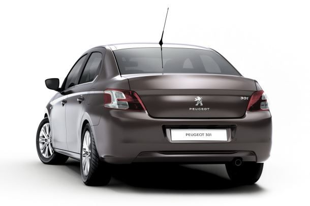 Фото: Вид сзади на Peugeot 301