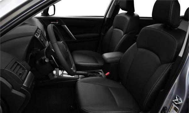 Фото: Отделанные кожей передние сидения Subaru Forester