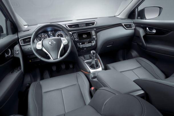 Фото: Передняя панель и кресла нового Nissan Qashqai 2