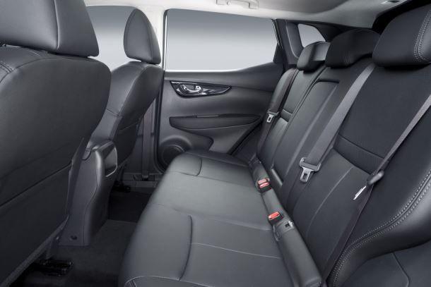 Фото: Задний ряд сидений Nissan Qashqai 2 2014