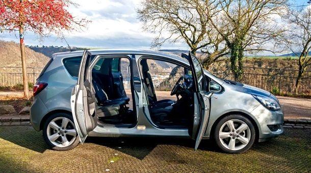 Фото: Экстравагантное решение открывания створок в Opel Meriva