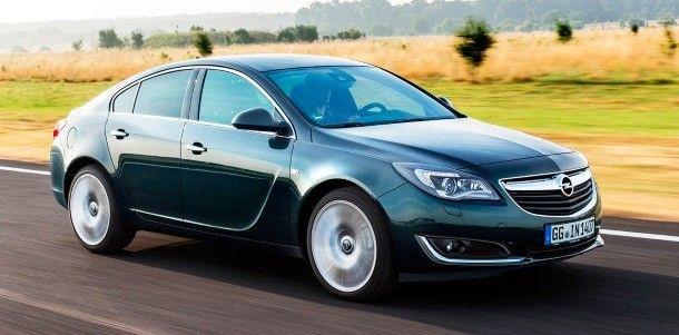 Фото: Новая Opel Insignia зелёного цвета в кузове hatchback