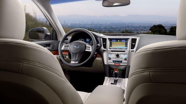 Фото: Хороший обзор в автомобиле Subaru Outback 2014