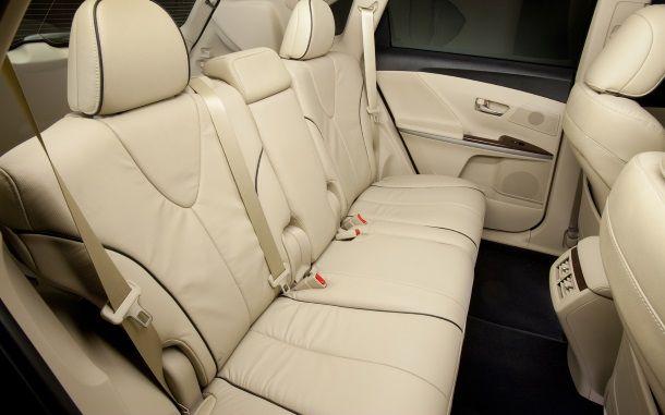 Фото: В Toyota Venza 2014 много свободного места сзади
