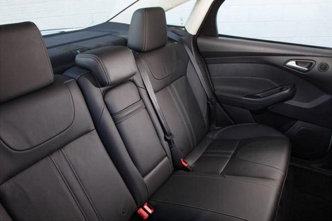 Фото: Задний ряд сидений Ford Focus 3-го поколения