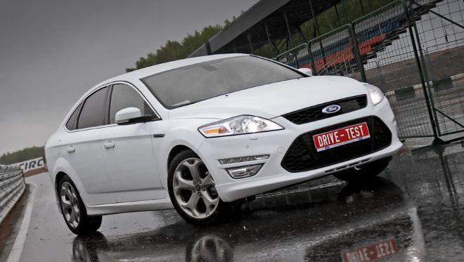 Фото: Ford Mondeo 4 седан белого цвета