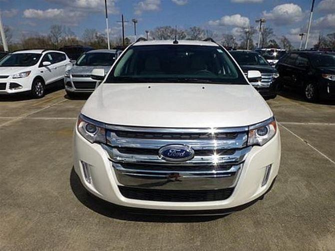 Фото: Вид на брутальный перед Ford Edge 2014 белого цвета
