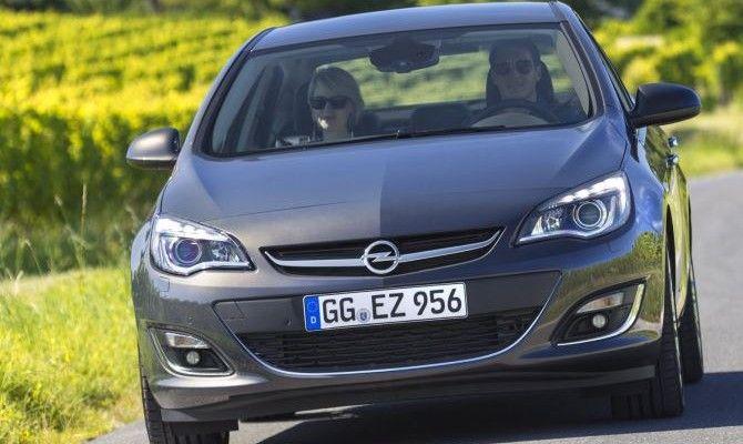 Фото: Opel Astra J