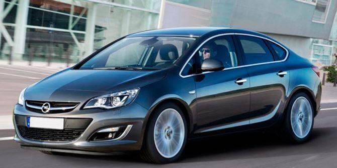 Фото: Экстерьер нового Opel Astra J 2014 серого цвета