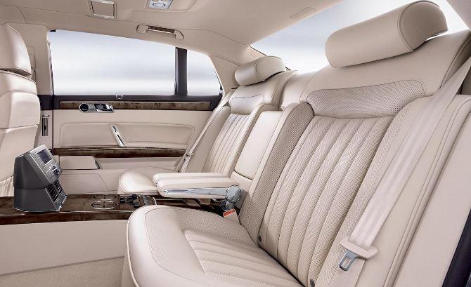 Фото: Оформление задних сидений автомобиля