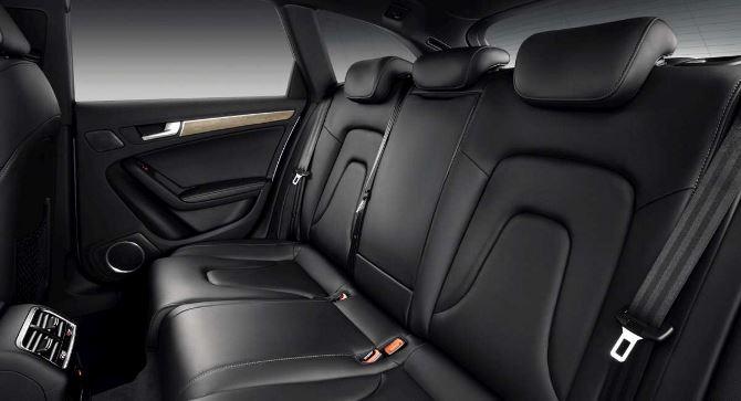 Фото: Заднее сидение автомобиля, отделка кожей