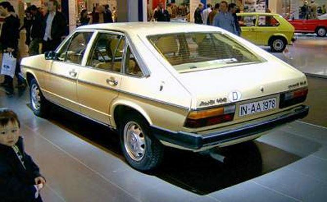 Фото: Ауди А6 третьего поколения 1982 года
