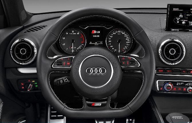 Фото: Руль и передняя панель Ауди S3 Sportback