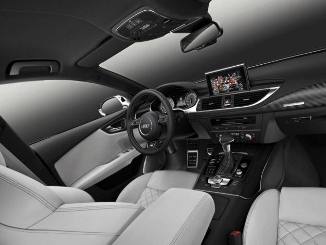 Фото: Комфортный салон автомобиля Audi S7