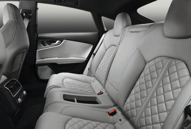 Фото: Задний ряд сидений Ауди S7