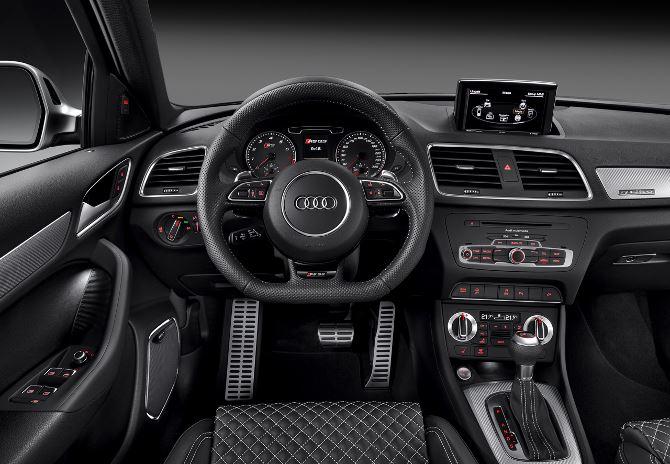 Фото: Передняя панель кроссовера Audi Q3