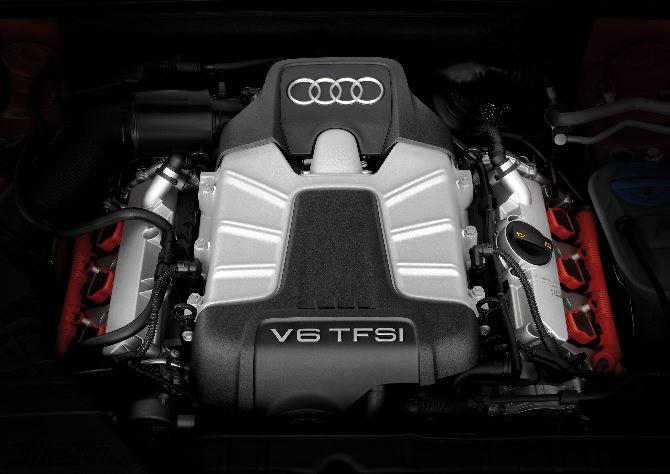 Фото: Мощный мотор спорткара