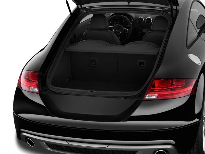 Фото: Багажник спортивного авто